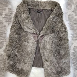 Maurices Gray Faux Fur Vest Size Small